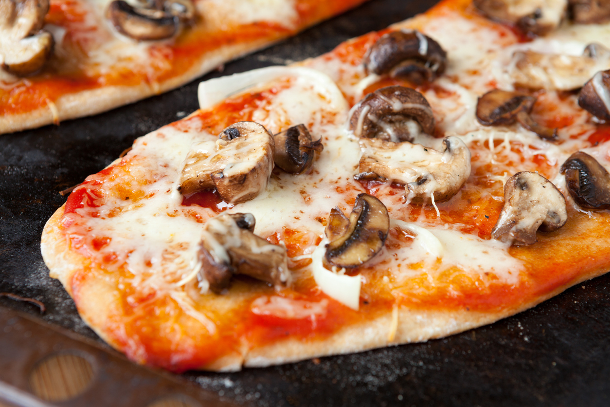 Homemade pitta pizza recipe